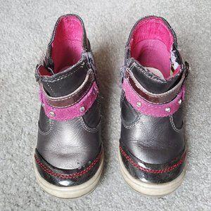 Beeoko Boots - Size 7
